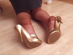 Heel Popping In Tan..