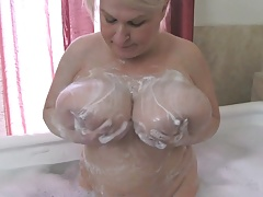 Meaty Udders Samantha Bathes..
