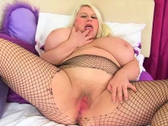 Buxom milf Gilly immigrant..